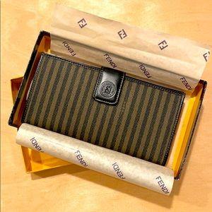 NIB Vintage FENDI Wallet!